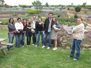 Ο κύριος Βασίλης Αδαμίδης που μας ξενάγησε μαζί με τις σπουδάστριες και τους σπουδαστ�ς.
