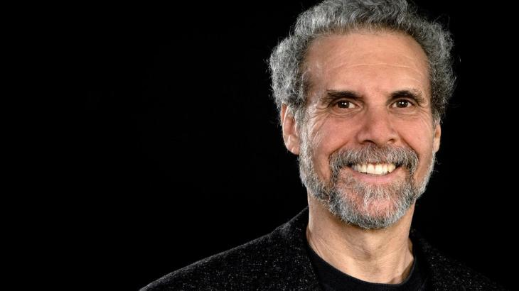 a-chat-with-daniel-goleman-author-of-emotional-intelligence