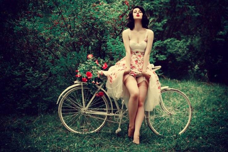 girls-on-bikes