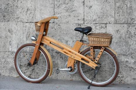 bici-di-legno-99516732